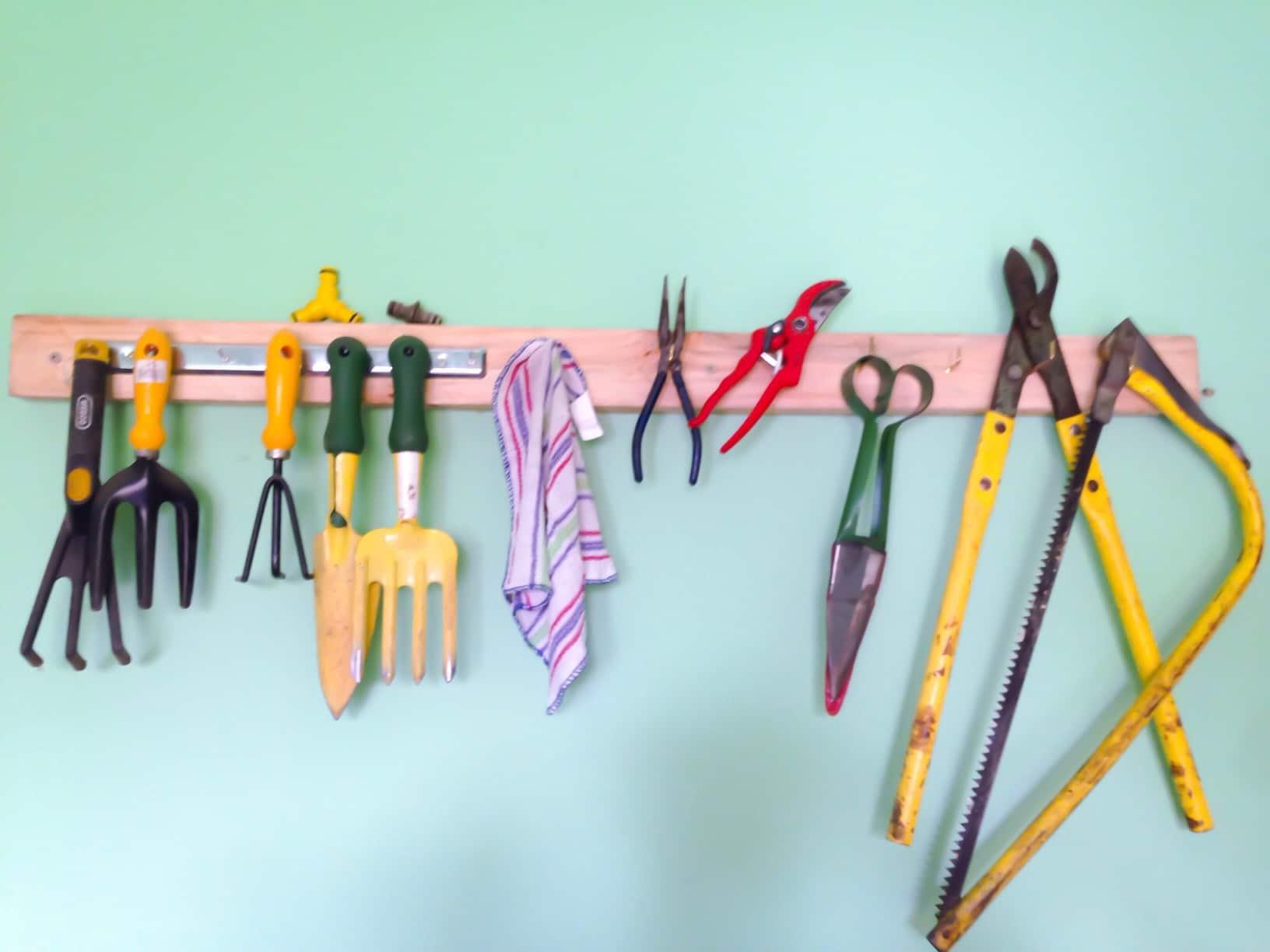 Ein Werkzeugkoffer mit Rollen wäre hier hilfreich Foto JLR via Twenty20